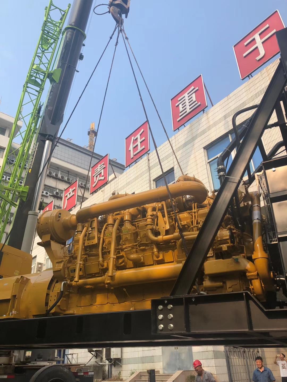 福湘公司原装美国卡特1600KW发电机组,安装现场